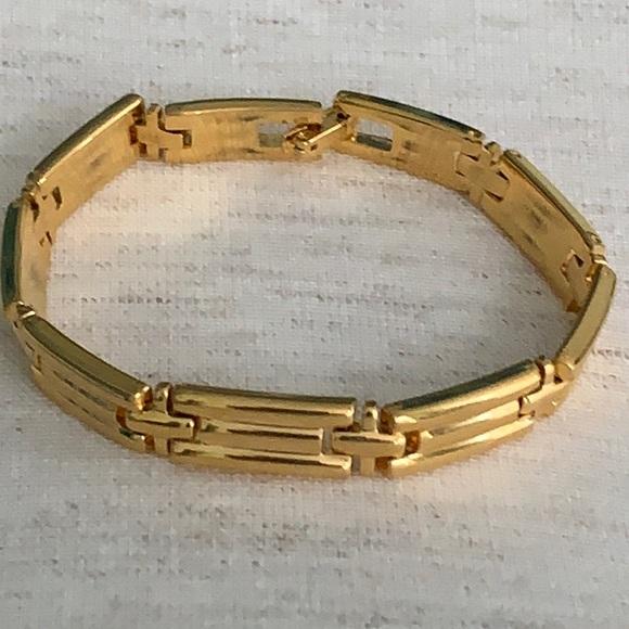 Vintage Monet gold toned bracelet